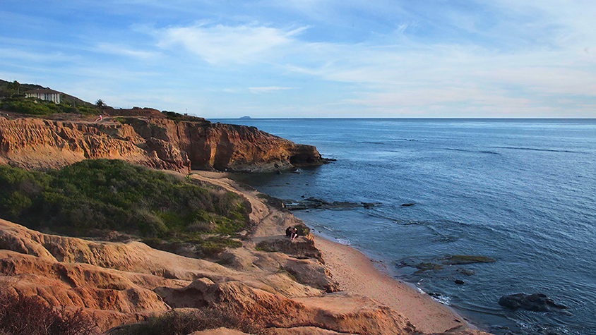 The beach and cliffs at Sunset Cliffs Natural Park in San Diego, California.